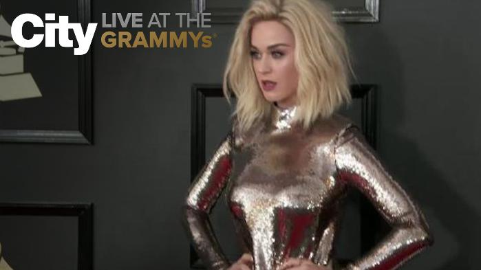 Katy Perry Shows That Blondes Have More Fun