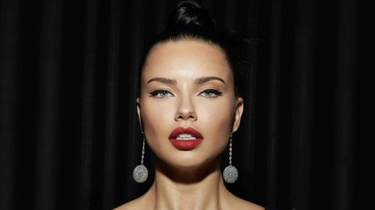 Your trendy 'blurred lip' makeup tutorial